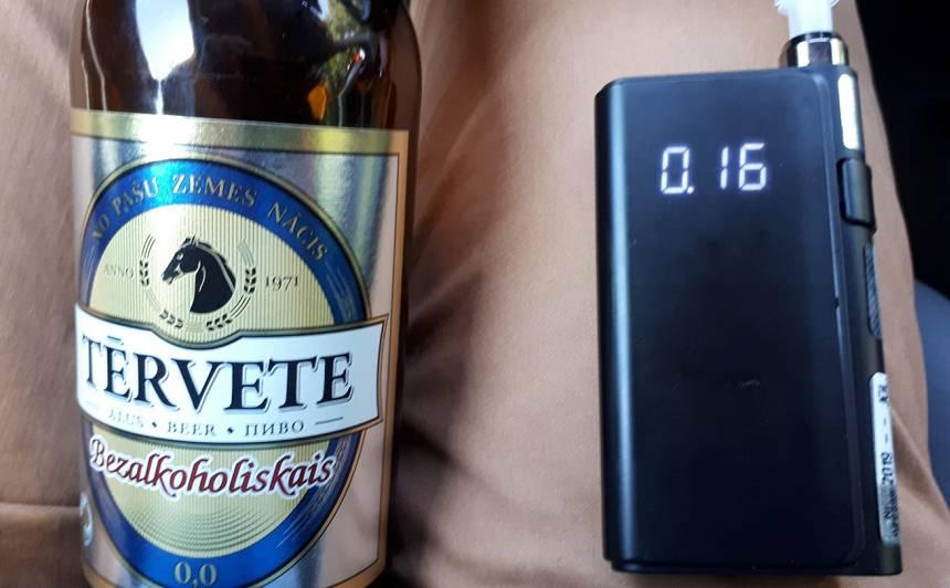 <strong>Autovadītājs neizpratnē:</strong> Pēc bezalkoholiskā alus lietošanas, alkometrs uzrāda promiles