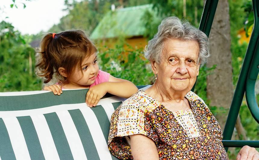 Ainas Poišas ieteikumi, kā <strong>būt labai vecmāmiņai</strong> – 1. daļa