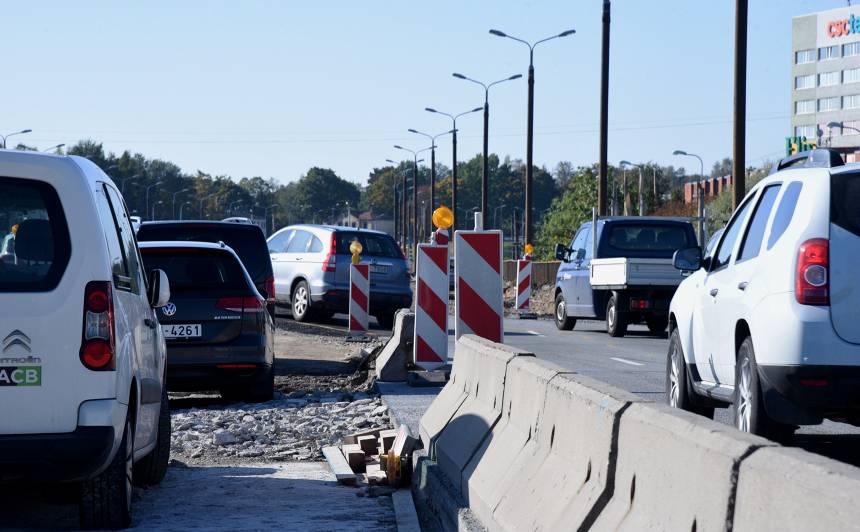 No šodienas uz Salu tilta <strong>būtiski izmainīta</strong> satiksmes organizācija