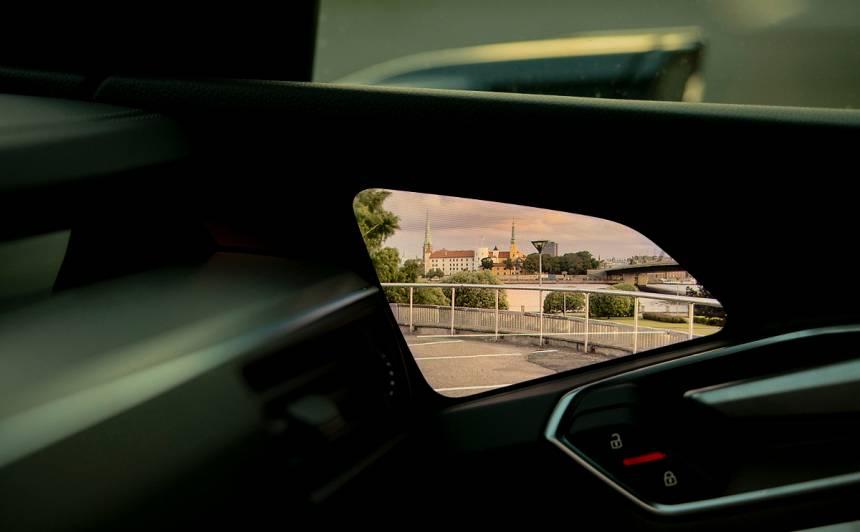 Latvijā pieejams <em>Audi e-tron</em> ar <strong>virtuālajiem sānu atpakaļskata spoguļiem</strong>