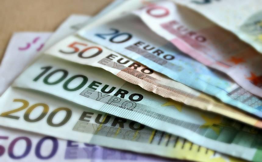 Koalīcijā iezīmējas atbalsts <strong>minimālās algas</strong> celšanai līdz 500 eiro; LRTK ir iebildumi