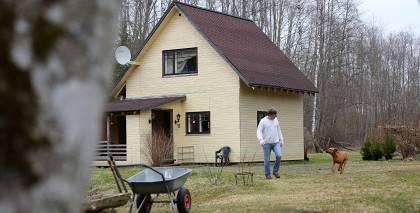 Ar pieciem latiem kabatā. Kā aktieris Juris Hiršs piepildīja <strong>ģimenes sapni par māju</strong>