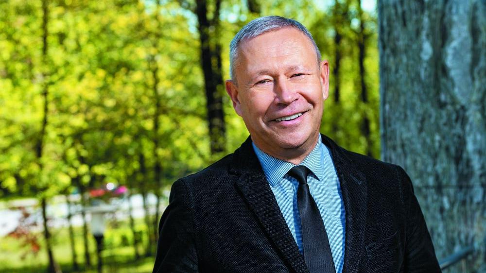 <em>Veselības centra 4</em> valdes priekšsēdētājs Māris Rēvalds <strong>par dakteriem, miljoniem un robotiem</strong>