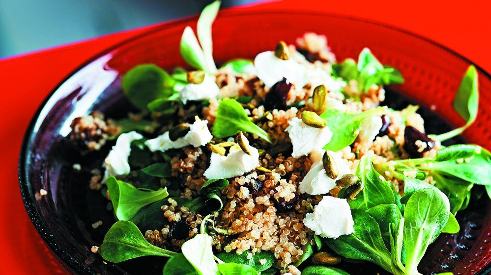 <strong>Šeihu mielasts –</strong> kvinojas un dateļu salāti