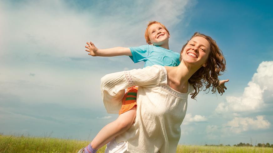 <strong>Sieviete ar bērnu.</strong> Viena, bet ne vientuļa