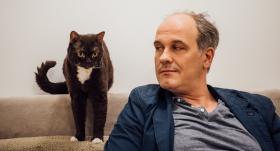 Aktiera Andra Keiša un operdziedātajas Kristīnes Zadovskas māja, kur mīt <strong>pasaulē dārgākais kaķis</strong>