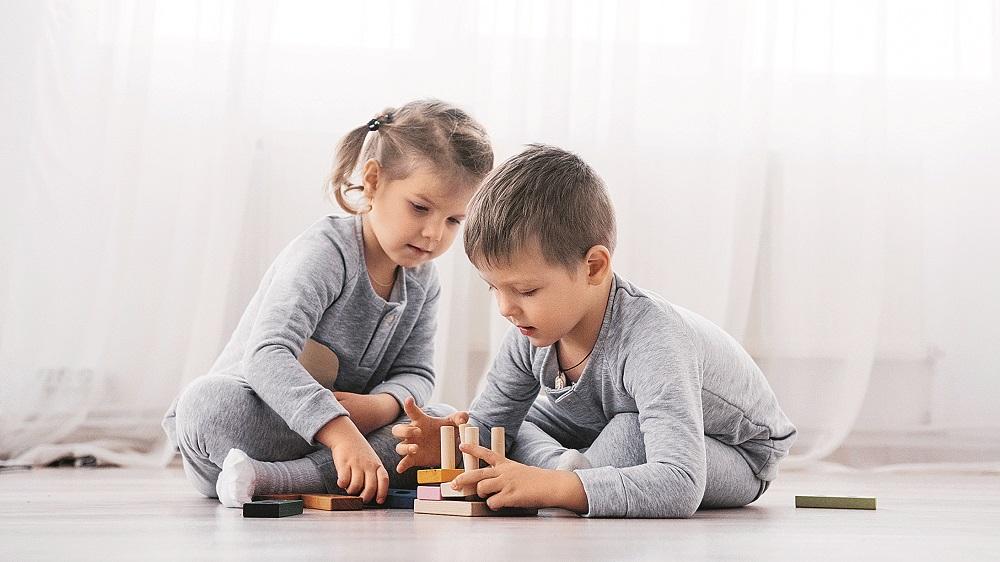 Kā paskaidrot bērnam, kāpēc <strong>jāmācās dalīties</strong> ar otru?
