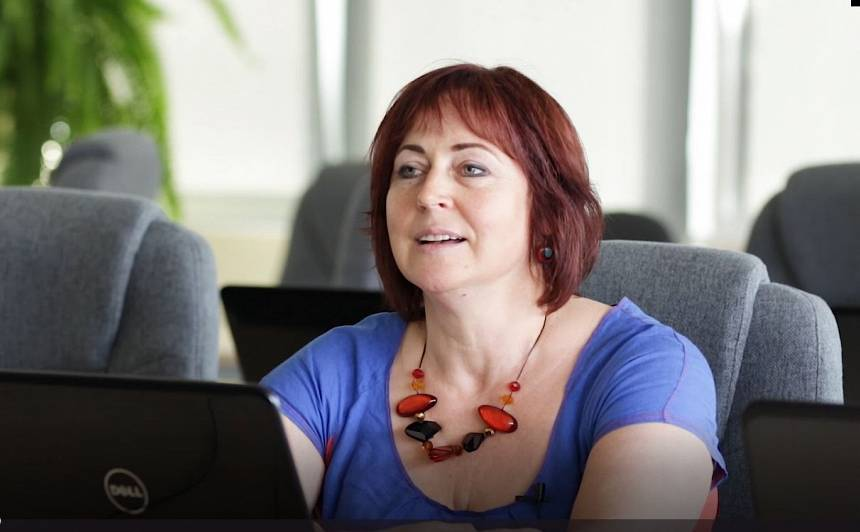 Digitālā aģente Signe Kurga: Zinošu speciālistu atbalsts iedrošina cilvēkus <strong>vairāk izmantot digitālās lietas</strong>