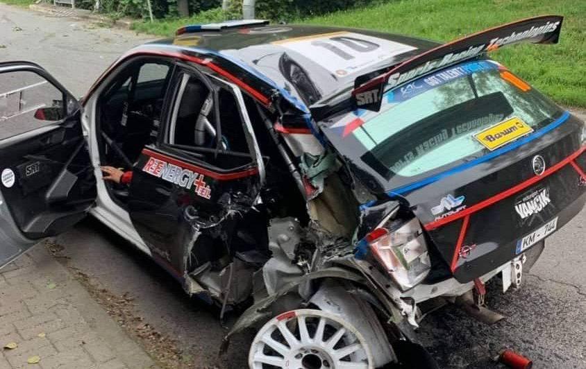 VIDEO: Latvijas SRT komandas ekipāža piedzīvo <strong>iespaidīgu avāriju ERČ rallijā Čehijā</strong>