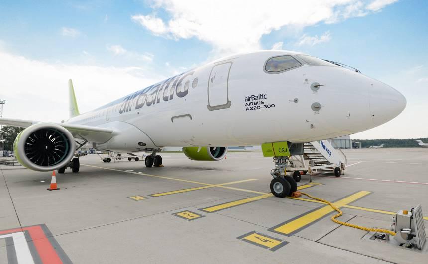 <em>airBaltic</em> pārvadāto pasažieru skaits jūlijā <strong>pārsniedz pusmiljonu</strong>