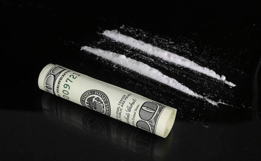 Krievijas hokeja zvaigznei Kuzņecovam piespriesta <strong>diskvalifikācija par kokaīna lietošanu</strong>