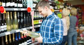 Savākti 10 000 paraksti par <strong>aizliegumu lietot alkoholiskos dzērienus līdz 21 gada vecumam</strong>