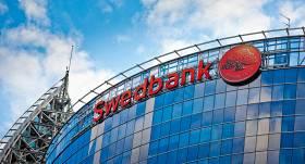 <em>Swedbank</em> piedāvā iespēju savā internetbankā pārvaldīt arī <em>SEB bankas</em> kontus