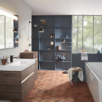 <em>Villeroy&Boch</em> ražotās vannas istabas kolekcijas.