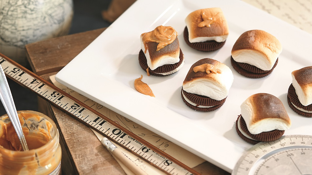 <strong>Našķu našķis</strong> — oreo cepumi ar <em>marshmallows</em> zefīriem
