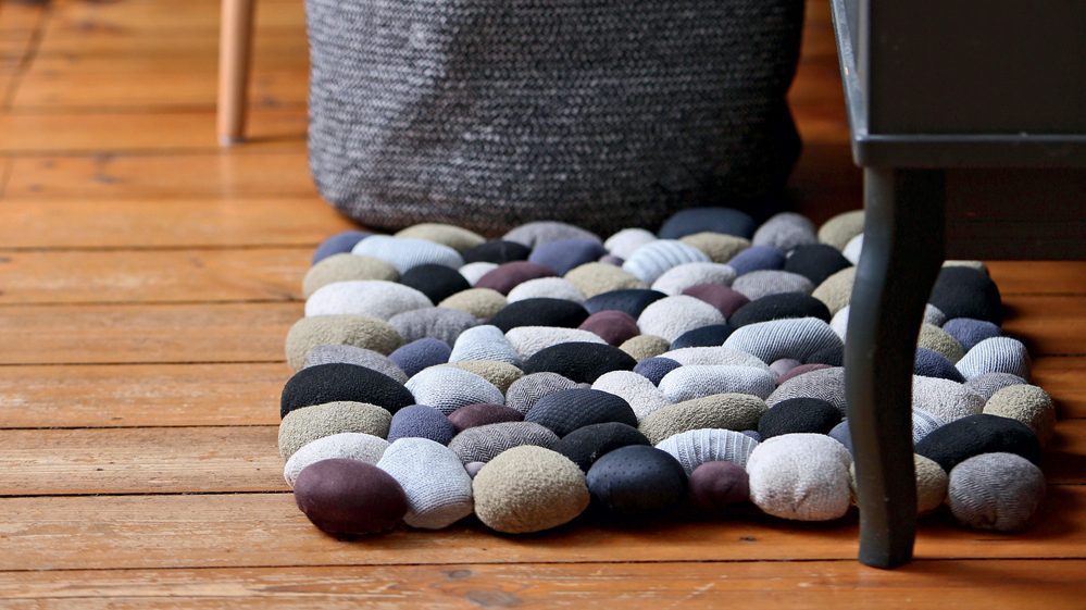 <strong>Lupatu otrā dzīve — </strong> raibs <em>akmeņu</em> paklājs!