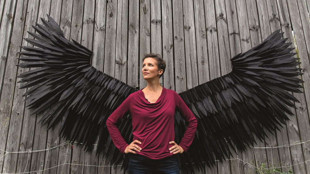 <em>Ugunsskolas</em> vadītāja Laura Denlere. <strong>Sieviete, kas prot radīt tramplīnu lidojumam</strong>