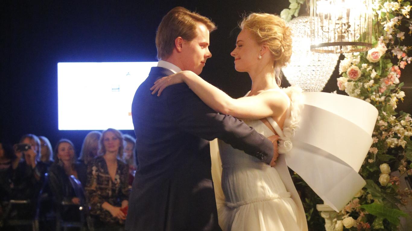 Augusta kāzu trakums — <strong>aktrise Ieva Florence lustīgi iziet pie vīra</strong>