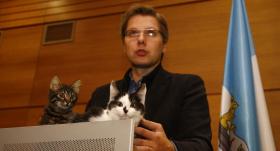 Beidzot izlemts, <strong>kas notiks ar Nila Ušakova kaķiem</strong>