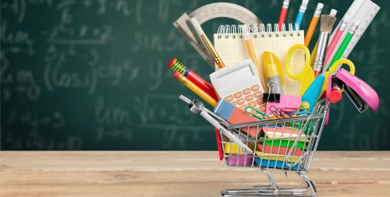 Aptauja: ģimenēs <strong>skolas lietas pērk pēdējā brīdī</strong> un jauno mācību gadu atzīmē ar gardumiem