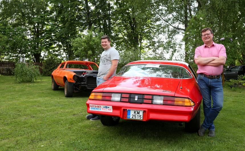Tēvs un dēls par <em>Chevrolet</em> restaurāciju: <strong>Šī mašīna bija kā čemodāns bez roktura — atstāt žēl, bet līdzi vilkt grūti</strong>