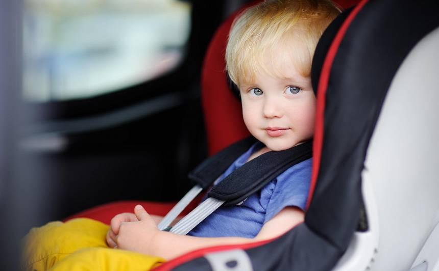 Policija pastiprināti kontrolēs <strong>bērnu sprādzēšanos automašīnās</strong>
