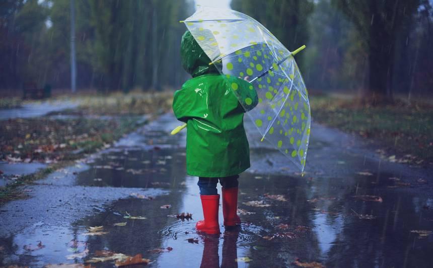 Šodien, būtiski nokrišņi nav gaidāmi, taču, <strong>sākot ar sestdienu, gaidāms lietus periods</strong>