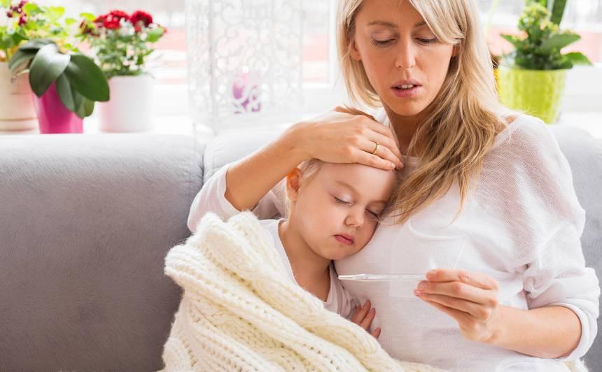 Labklājības ministrei aizdomas, ka vasaras mēnešos <strong>vecāki nepamatoti izmanto slimības pabalstus</strong>