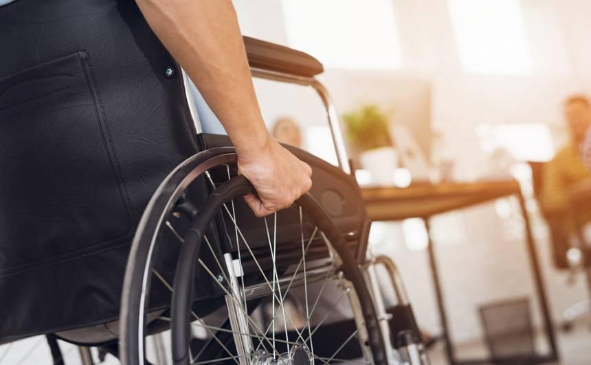 <strong>Invalīda statuss.</strong> Kam un kā to piešķir?
