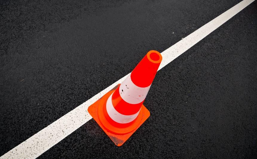 <strong>Pie <em>Sēnītes</em> iespējami sastrēgumi,</strong> brīvdienās daudzviet gaidāmi satiksmes ierobežojumi