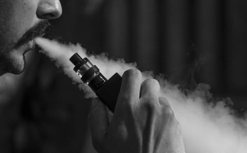 Lietuvā vēlas <strong>aizliegt elektroniskās cigaretes</strong>