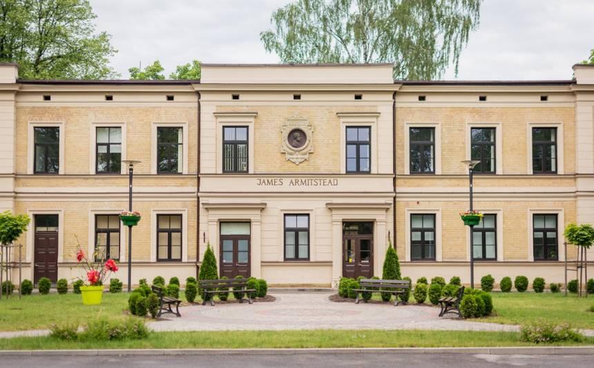 Bērnu slimnīcā nonākuši jau desmit Siguldas pusē saindējušies bērni, trīs no viņiem joprojām smagā stāvoklī