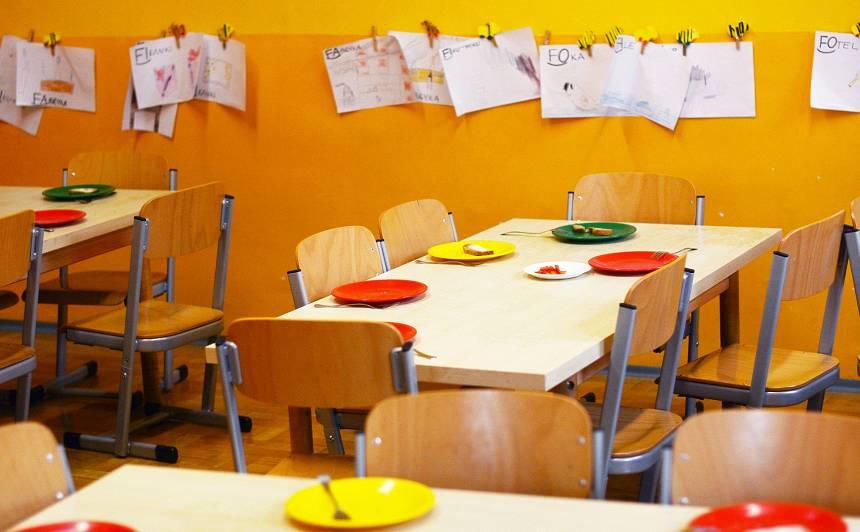 <strong>Pēc smagas saindēšanās bērnudārzos</strong> Siguldā hospitalizēti pieci bērni