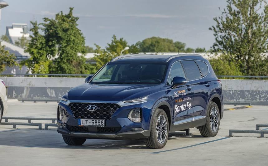 <strong><em>Hyundai Santa Fe</em></strong> — žurnāla <em>KLUBS</em> lielais auto tests