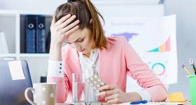 Veselības indekss: <strong>70% cilvēku mēdz iet uz darbu arī slimi</strong>