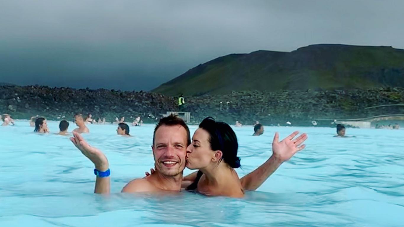 «Šajā burvīgajā, dabas brīnumu pilnajā zemē ir tik daudz ko redzēt, ka noteikti atgriezīsimies tur vēl, lai turpinātu iepazīšanos ar skaisto Islandi,» tā Maija.