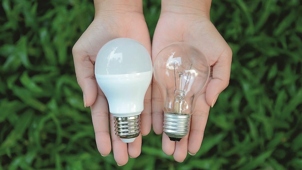 Kādas spuldzītes pirkt, <strong>lai par elektrību maksātu mazāk?</strong>
