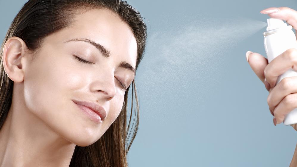 <strong>Labākie sejas kopšanas produkti:</strong> Termālais ūdens un pretiekaisuma līdzeklis