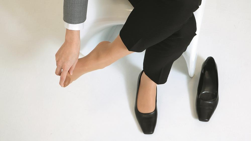 Kā palīdzēt, ja sāp pēdas kauliņš