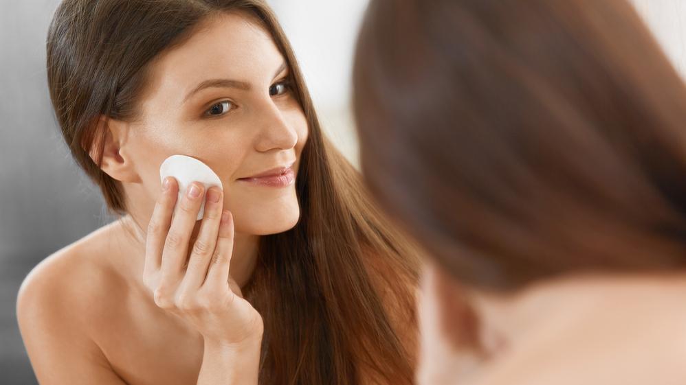 <strong>Labākie sejas kopšanas produkti:</strong> Sejas attīrīšanas līdzekļi