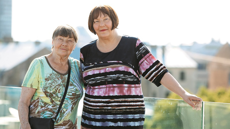 <strong>Dundagas māsas ar raksturu</strong> — LNMM direktore Māra Lāce un bijusī LTV režisore Ērika Rostoka