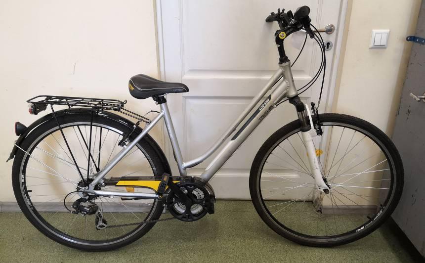 FOTO: Rīgā atsavināti velosipēdi, <strong>valsts policija aicina atsaukties to īpašniekus!</strong>