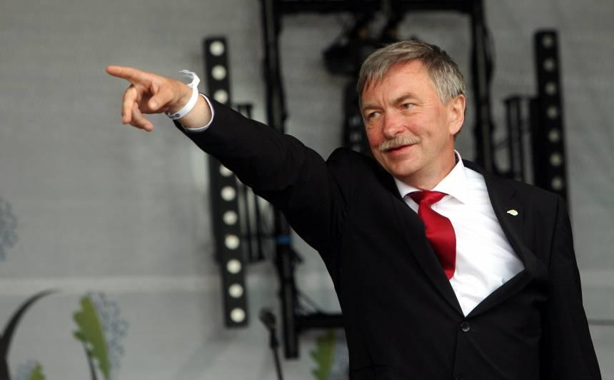 Tiesa apturējusi Muižniekam nelabvēlīgo valdības lēmumu, <strong>rektors var atgriezties darbā</strong>