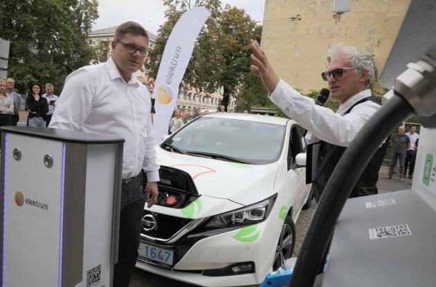 <em>Latvenergo</em> elektroauto uzlādes stacijās <strong>uzlādēta enerģija 15 000 km nobraukumam</strong>