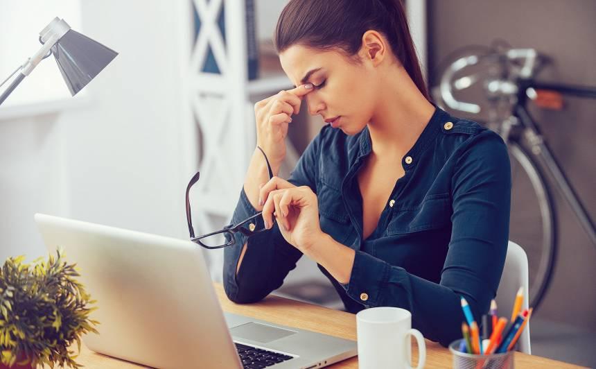 Valsts darba inspekcija saņem arvien vairāk sūdzību <strong>par stresu un emocionālo vardarbību darbavietās</strong>