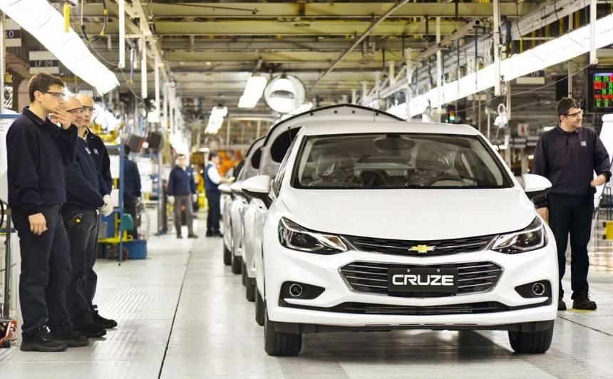 <em>General Motors</em> darbinieku streika sekas — <strong>Meksikā atlaiž 6000 strādniekus</strong>