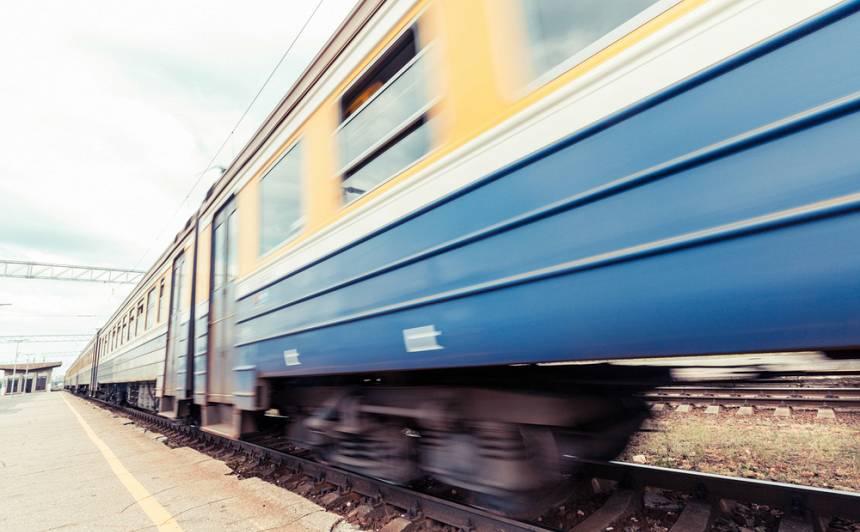 No decembra vilcieni vairs neapstāsies <strong>astoņās mazajās stacijās</strong>