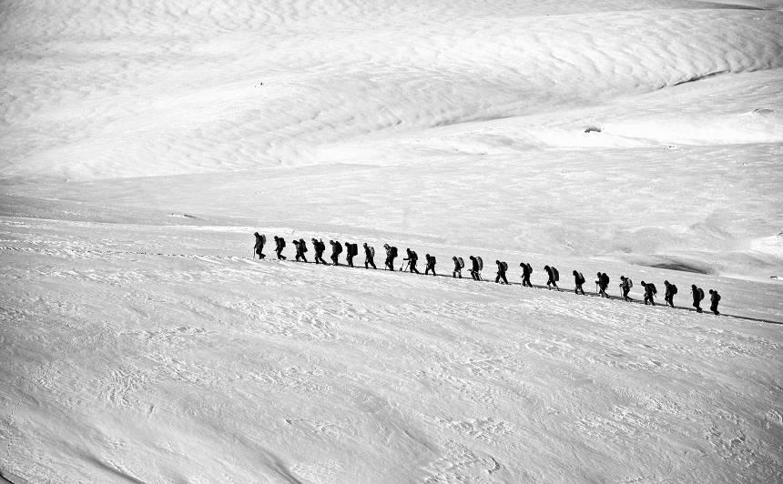 <strong>Patiess stāsts par ceļu uz Gruzijas augstāko virsotni</strong> — nepareizi lēmumi sniega ieskāvumā