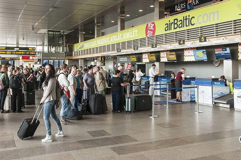 <strong>Valsts robežsardzē pieaug darbinieku trūkums,</strong> viskritiskāk to izjūt lidostā <em>Rīga</em>