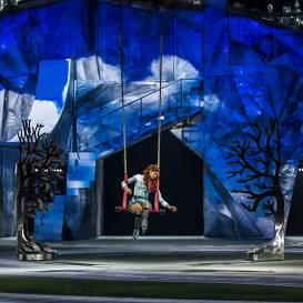 Oktobrī <strong>īpaša atlaide ģimenēm</strong> uz <em>Cirque du Soleil</em> izrādi <em>CRYSTAL</em> Rīgā